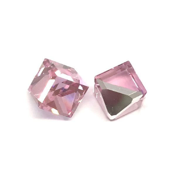 Swarovski CUBE 4841 6mm, Light Rose